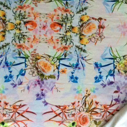 Metráž: Květovaná teplákovina