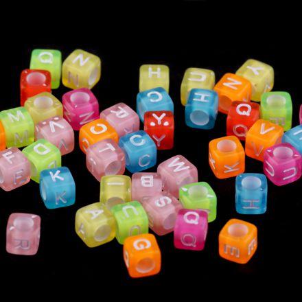 Galanterie: Plastové korálky kostka