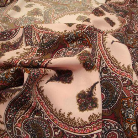 Metráž: Šatovka s kašmírovým vzorem