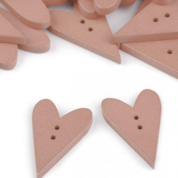 Dřevěný dekorační knoflík srdce (1ks) - pudrová