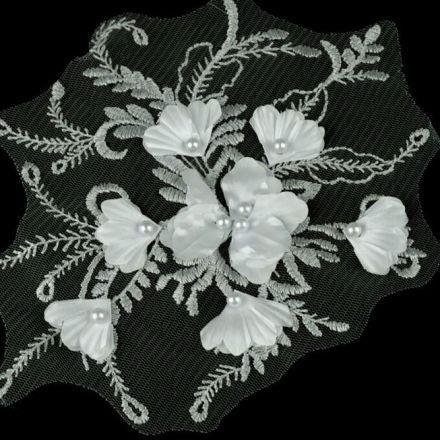 Galanterie: Aplikace / vsadka s 3D květy - šedá