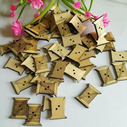 Galanterie: Dřevěný knoflík 21 x 26 mm (1ks)