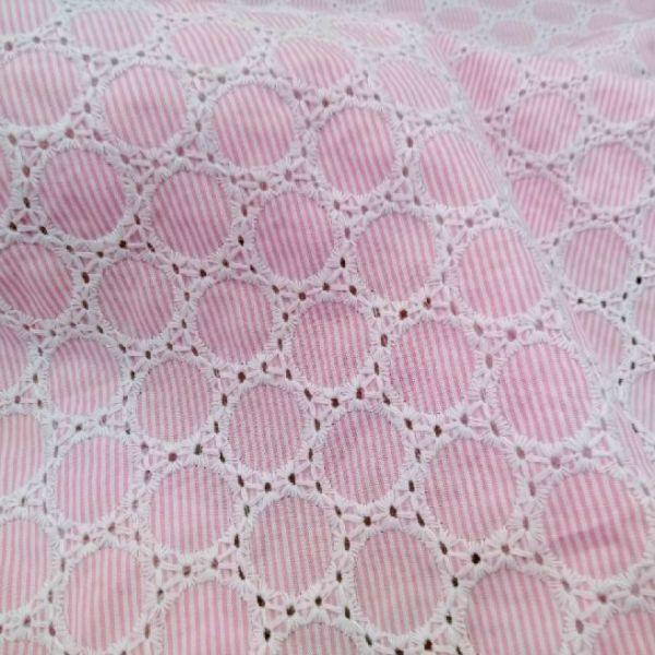 Vyšívaná bavlna s proužky - růžovobílá