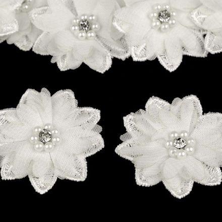 Galanterie: Květ s korálky 50 mm - krémová